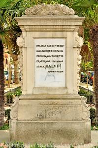 Sevilla, Parque de María Luisa, Monumento a la Raza