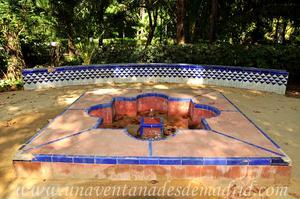 Sevilla, Parque de María Luisa, Fuente Sur de la antigua Glorieta de las Pilitas, actual Glorieta de Mario Méndez Bejarano