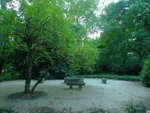 Parque de El Capricho, Plaza de Plátanos