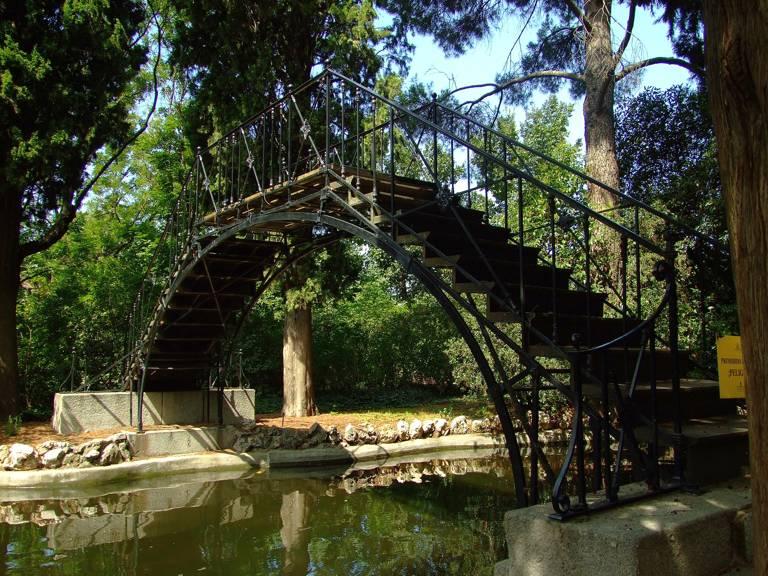 Parque el capricho y ii for Jardines el capricho