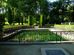 Parque de El Capricho, Estanques del Parterre
