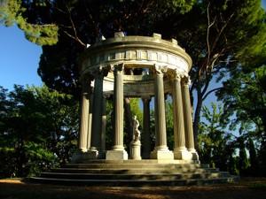 Parque de El Capricho, Templete de Baco
