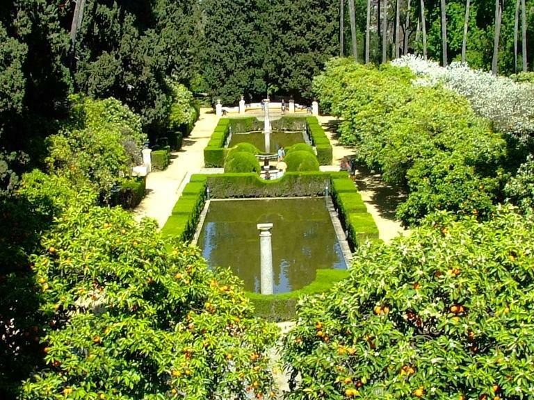 Reales alc zares y ii for Los jardines de la cartuja