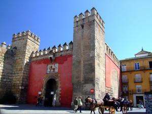 Reales Alcázares, Puerta del León