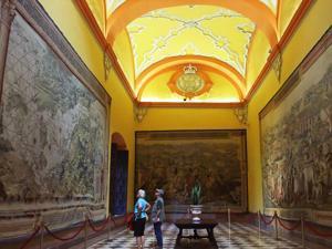 Reales Alcázares, Sala de Tapices
