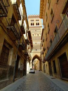 Teruel, Torre de El Salvador, exterior