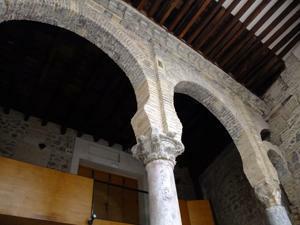 Toledo, Mezquita de El Salvador, arcos islámicos del patio trasero