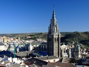 Toledo, Catedral de Santa María vista desde las torres de la Iglesia de San Ildefonso