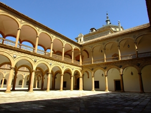 Toledo, Hospital de Tavera, patio