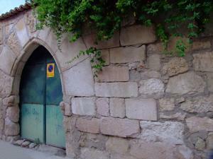 Torrelaguna, Portada de los Quirós